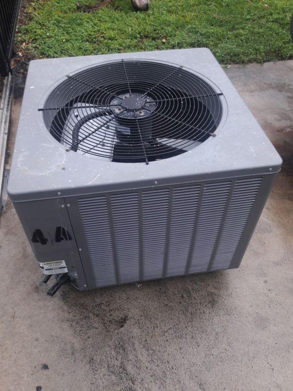 Reem condensador 4 toneladas 2013 $280. Freon R22
