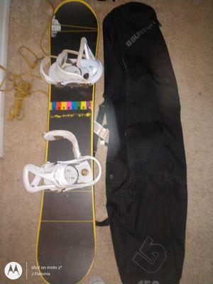 Burton board bindings and bag for Sale in Yorba Linda, CA