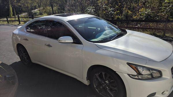 Nissan Maxima 2014 SV. Sports package loaded. Leather seats Bose stereo