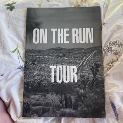 On The Run Tour Book for Sale in Alameda,  CA