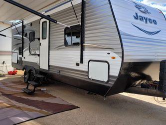 2018 Jayco Jay Flight Slide Out Like New 25 Ft for Sale in Glendale,  AZ