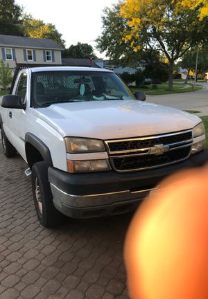 Chevy Silverado 2500 for Sale in Elgin, IL