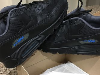""""""" MINT CONDITION - 👟 AIRMAX 90 ( BLACK & PHOTO BLUE ACCENTS !!!! ) * VERY HARD TO FIND THESE !! """" MENS 10.5 """" * OBO !!! for Sale in Orlando,  FL"""