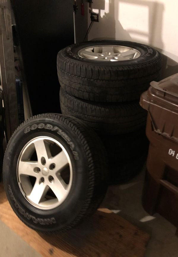 2017 Jeep Wrangler unlimited rims and tires