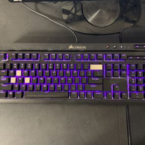 Keyboard ,Mouse, Headphone, And Mouse Pad Combo for Sale in Beaverton, OR