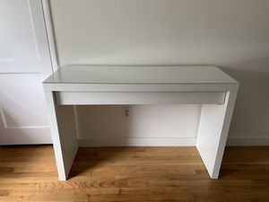 White IKEA Malm Dressing Table for Sale in Puyallup, WA