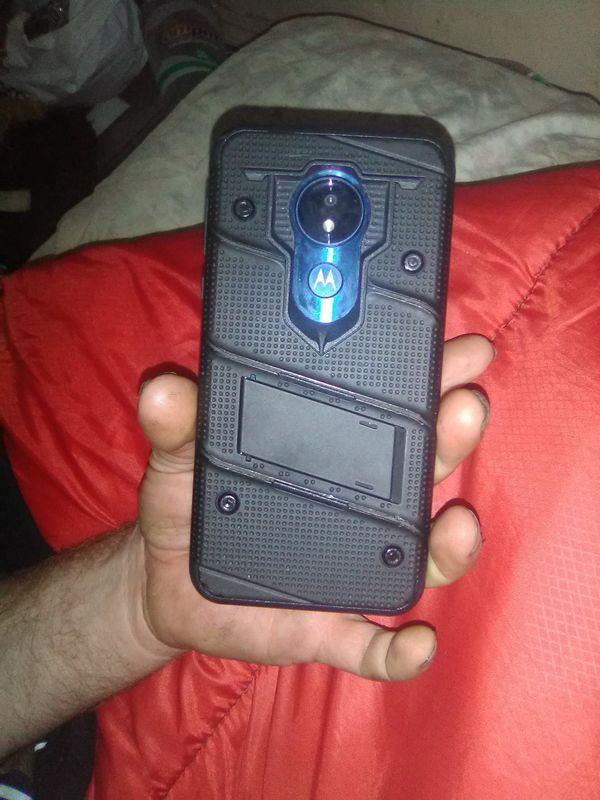 Cricket wireless Moto G7 Supra with phone case