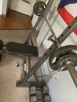 Bench press with weights and Bar for Sale in Perth Amboy, NJ