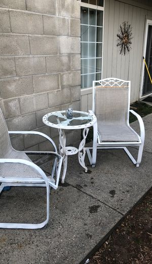 Table For the Garden Set - $25 for Sale in CORRAL DE TIE, CA