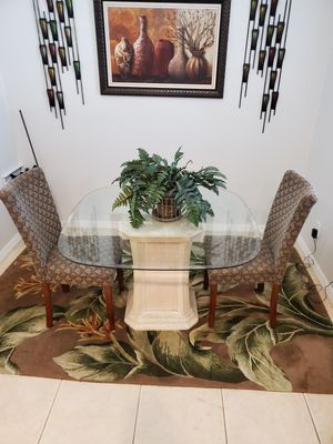 Dinning kitchen table and chairs set. for Sale in Tampa, FL