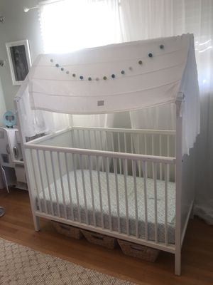 """Stokke """"Home"""" Crib /Toddler Bed with Tent and Organic Crib Mattress for Sale in Fairfax, CA"""