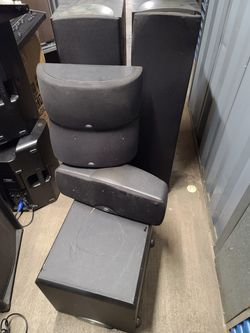 Two large KLIPSCH speakers with subwoofer and three speakers in good condition for Sale in Takoma Park,  MD