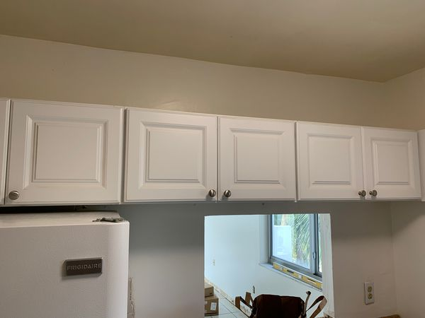 Free white kitchen cabinets