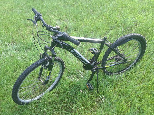 "26"" Mens Schwinn Raptor bike (needs parts)"