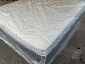 New queen mattress and box spring included for Sale in Lake Worth, FL