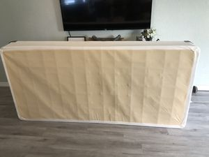 2 FREE TwinX box spring used for King bed for Sale in Lake Worth, FL