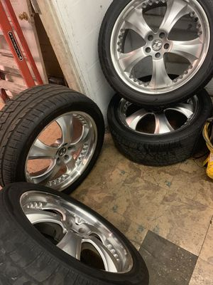 22 inch rim for Sale in Tampa, FL