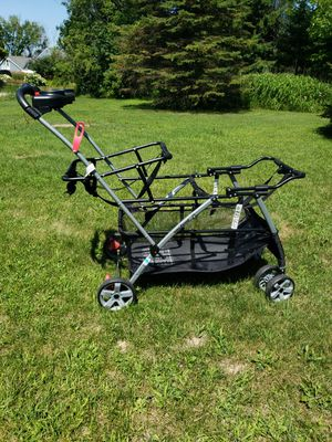 Twin stroller frame for car seats for Sale in Cedarburg, WI