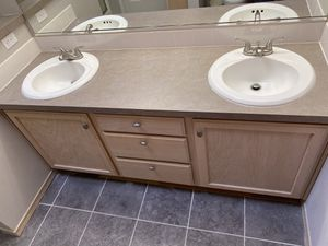 Free bathroom cabinets. for Sale in Puyallup, WA