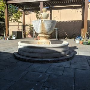 "Al's Garden Tuscany Garden Fountain with 46"" basin for Sale in Rosemead, CA"