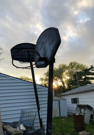 2 old basketball hoop mobile water / sand for Sale in Schaumburg, IL