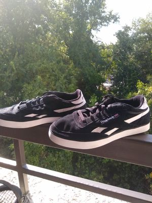 Reebok Classic Sneaker for Sale in Dallas, TX