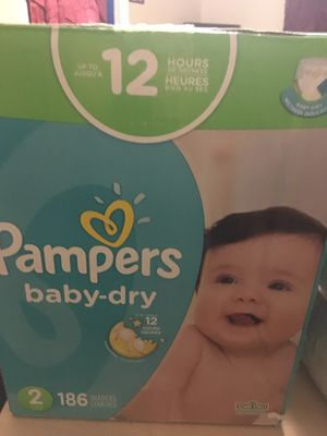 Pampers size 2 186 diapers for Sale in El Mirage, CA