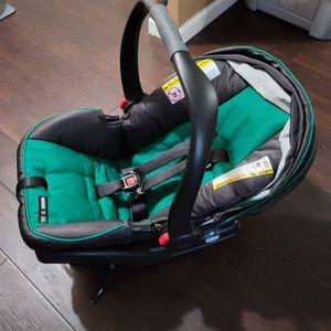 Infant Car Seat - Graco Snugride 35 - Like New for Sale in Atlanta, GA
