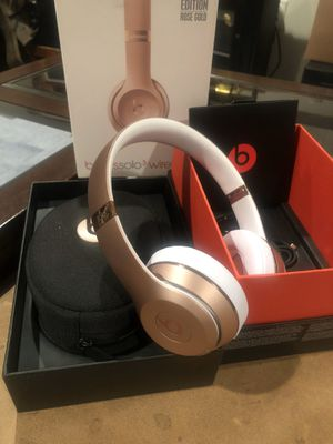 Rose gold Beats solo 3 for Sale in Southington, CT