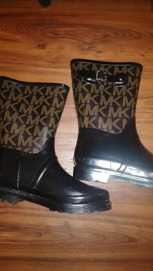Michael Kors rain boots size 9 1/2 for Sale in Federal Way, WA