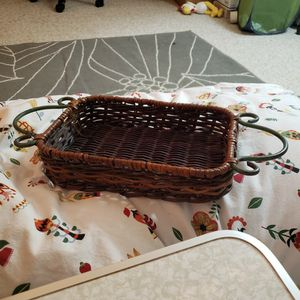 """Brown Wicker 17"""" Tray With Metal Handles for Sale in Rockville, MD"""