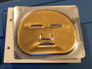 Brilliance New York 24k Gold Indulgence Face Mask Set NEW for Sale in Howell, NJ