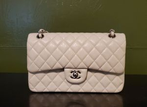 Chanel classic flap bag for Sale in Windsor Hills, CA