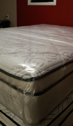 Queen new thick pillow top bed can deliver for Sale in Holiday, FL