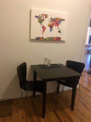 Table and chairs -Black for Sale in New York, NY