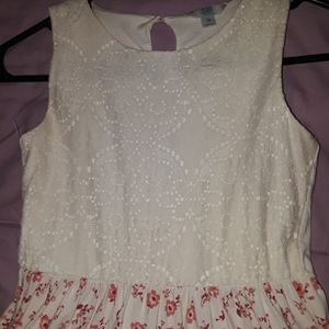 Sleeveless White Dress With Red Flower Bottom for Sale in Beaumont, CA