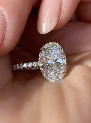 Ring Size 8 White Crystal Stone Ring Cute Gold Thin Wedding Rings For Women Bridal Oval Engagement Ring for Sale in Los Angeles, CA