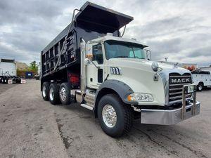 2017 Dumptruck Mack like new for Sale in Orlando, FL