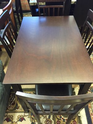 Dining set / 4 chairs for Sale in Manassas, VA