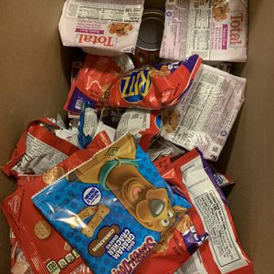 Box Of Kids Snack For Free for Sale in Lynnwood, WA