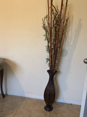 Flowers vase for Sale in Fontana, CA