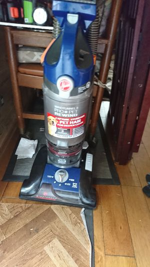 Hoover vacuum for Sale in Oregon City, OR