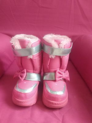 Snow boots (buster brown) toddler us 6 for Sale in Stone Mountain, GA