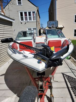 4 winns 1989 19ft boat for Sale in Cicero, IL