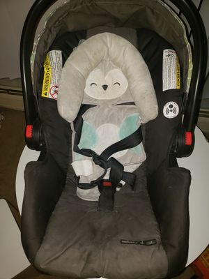 Baby Carseat for Sale in Brooklyn, OH