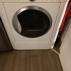 Fridgaire Electric Dryer for Sale in Newark, CA