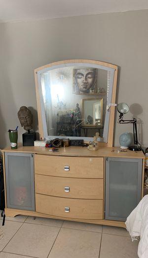 Large Dresser for Sale in Fort Lauderdale, FL