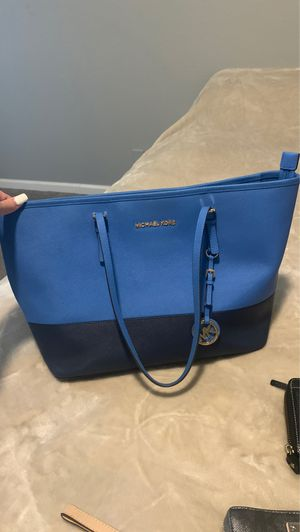 Micheal kors tote bag for Sale in Avondale, AZ