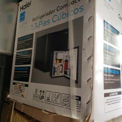 Mini fridge Brand New!! for Sale in Largo,  FL