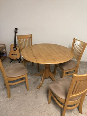 East West Furniture DLVA5-OAK-C 5-Piece Kitchen Table Set, Oak Finish, Microfiber Upholstered Seat for Sale in San Jose, CA